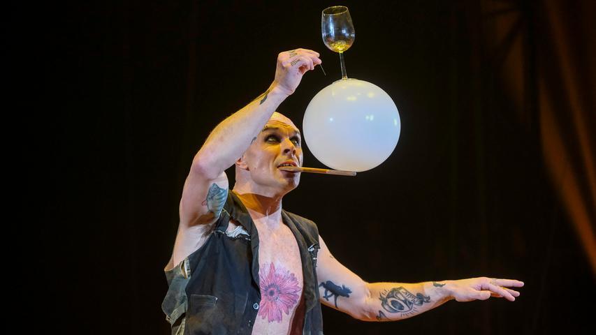 Lokales.Foto: Günter Distler.Motiv: Flic Flac; XMas-Show Nürnberg; Premiere