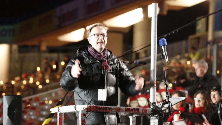 Gerald Fink hat als Bundeschorleiter des Fränkischen Sängerbundes das Adventssingen mit organisiert.