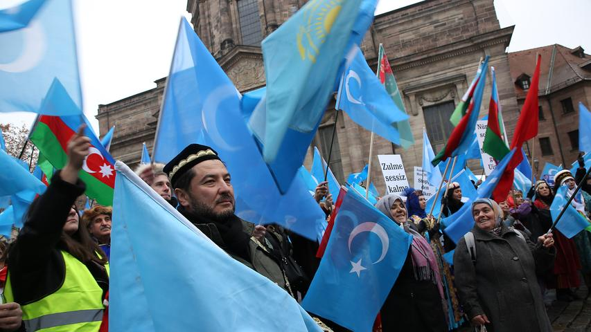 Demonstration und Kundgebung gegen die Unterdrückung der Uiguren in China am Jakobsplatz in Nürnberg..Foto: (c) RALF RÖDEL / NN (29.12.2018)