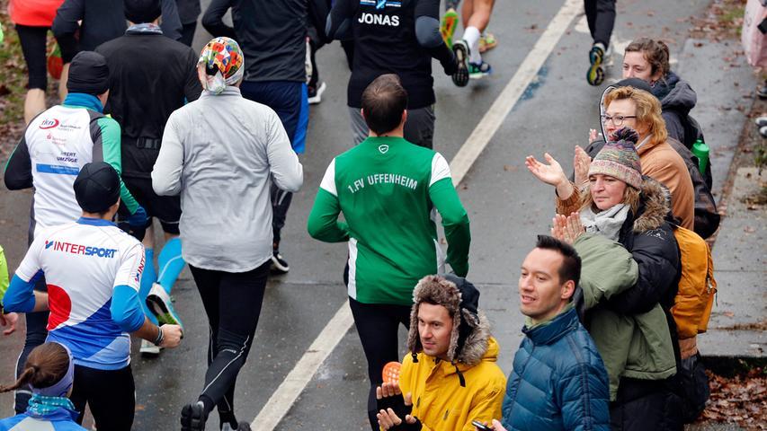 RESSORT: Lokales..DATUM: 30.12.18..FOTO: Michael Matejka ..MOTIV: Silvesterlauf / Hauptlauf..ANZAHL: 1 von 25..