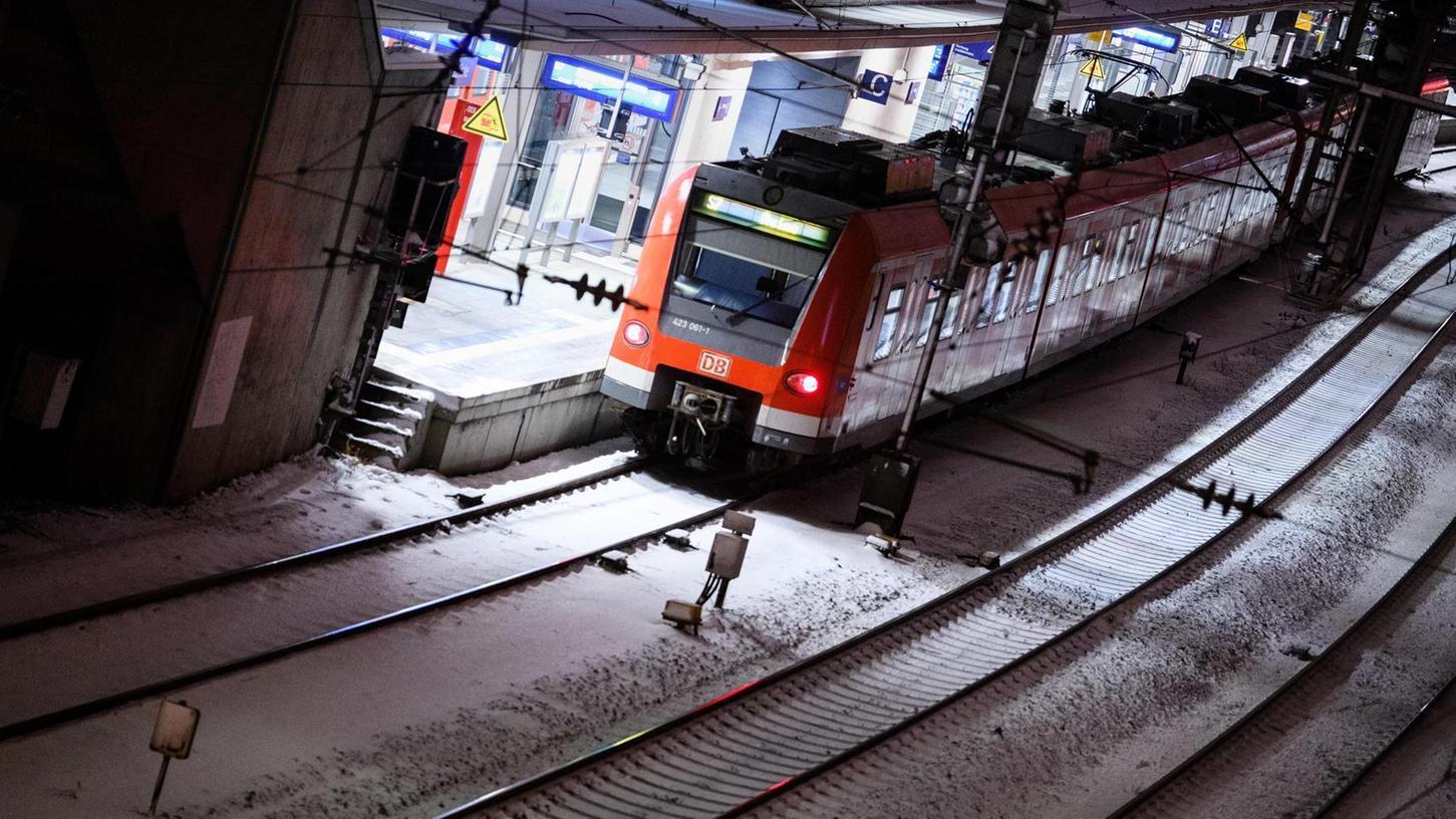 Noch fahren im VGN-Gebiet zwischen ein und fünf Uhr nachts keine S-Bahnen mehr. Doch sowohl der VGN als auch einige Kommunalpolitiker und der Verkehrsclub Deutschland würden das gerne ändern.