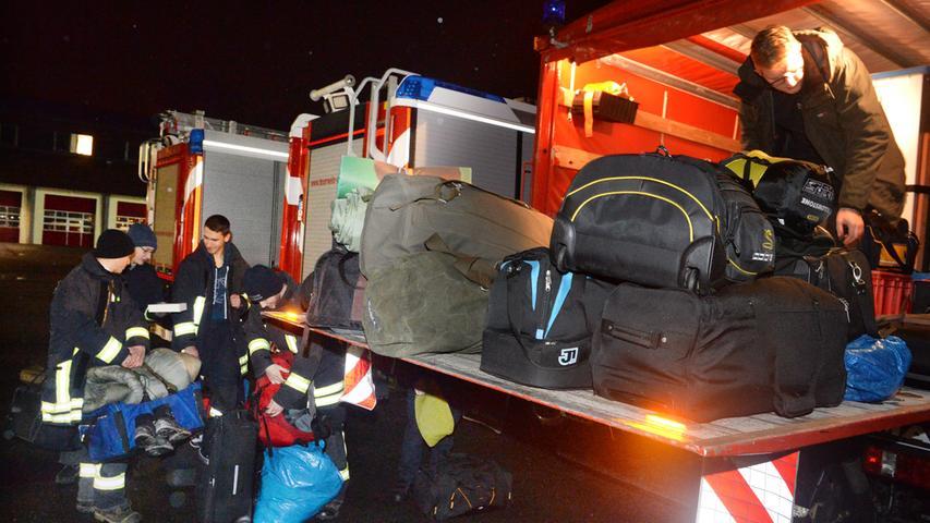 Marschbefehl: Hier sammeln sich THW und Feuerwehr in Erlangen