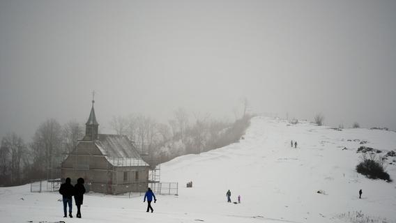 Winterwanderung über das Walberla: Von Kirchehrenbach nach Schlaifhausen