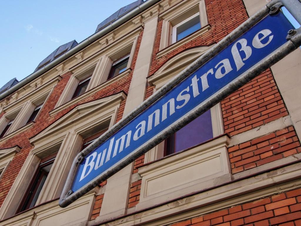 Anzeiger..Foto: Günter Distler..Motiv: Straßenporträt Bulmannstraße - Schild
