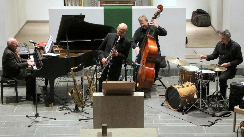 Mit viel Verve beim Tafelkonzert: Thomas Fink, Norbert Nagel, Norbert Meyer-Venus und Werner Treiber (von links).