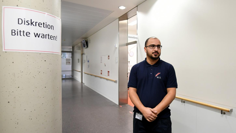 Nicht nur das Nürnberger Klinikum berichtet von einer steigenden Zahl aggressiver und gewaltbereiter Patienten. Auch andere Krankenhäuser (hier ein Bild aus Hannover) treffen Vorkehrungen, im Internet finden sich einige ausgeschriebene Stellen für Sicherheitskräfte an Kliniken bundesweit.