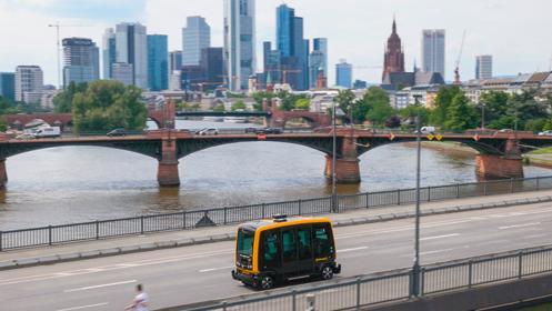 Continental CUbe: Solche führerlosen Robo-Shuttles sollen ihre Fahrgäste künftig von Haustür zu Haustür bringen.