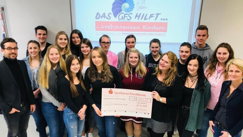 Strahlende Gesichter für eine tolle Leistung. Die Schüler am GFS haben fast 8.000 Euro Spenden gesammelt.