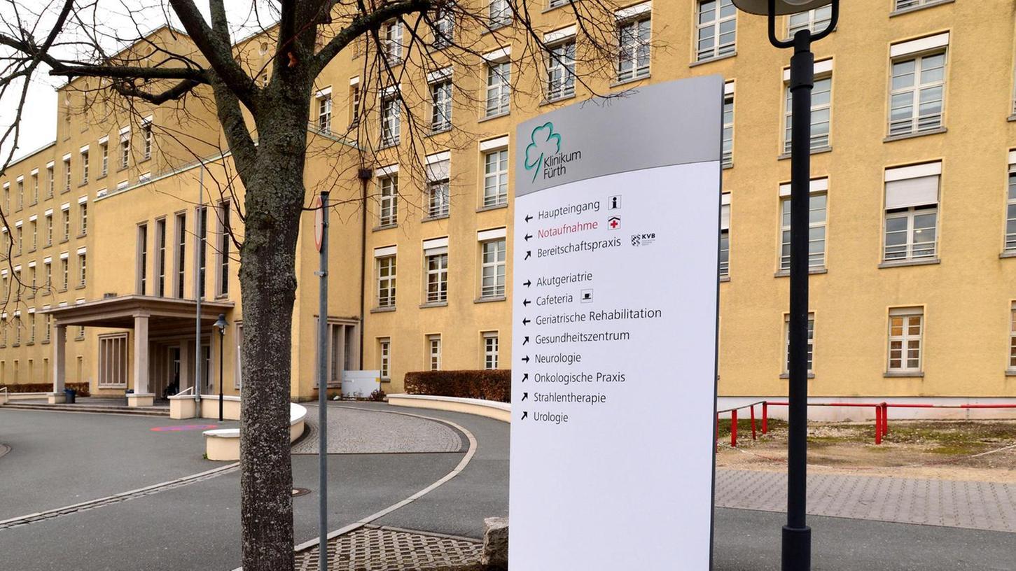 Die meisten Infostellen auf dem Gelände des Klinikums weisen schon den Weg zur neuen Praxis, die nicht mehr in der alten Frauenklinik zu finden ist.