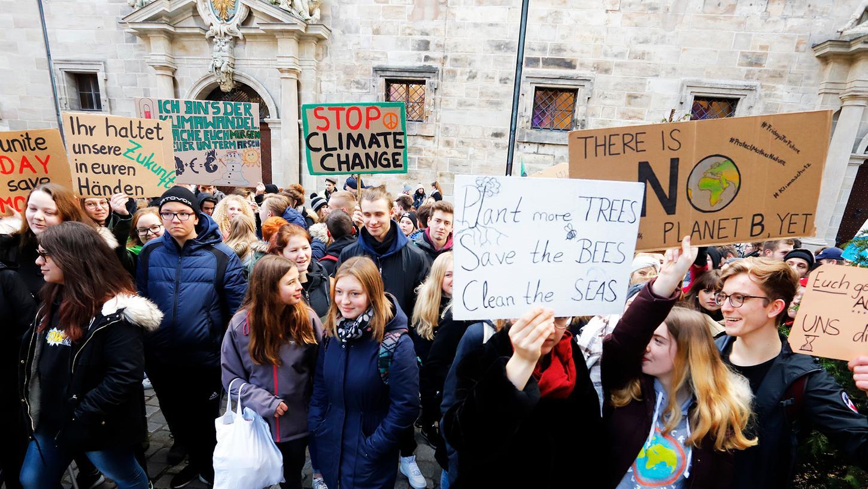 Schule schwänzen für das Klima: Auch in Nürnberg demonstrierten am vergangenen Freitag etliche Schüler und Schülerinnen für eine verbesserte Klimapolitik.