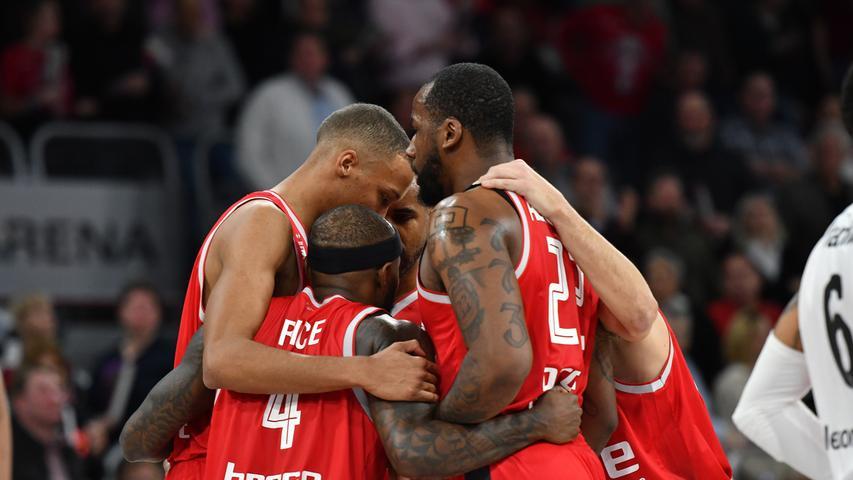 20.01.2019 --- Basketball --- Saison 2018 2019 --- 1. Bundesliga easycredit BBL --- Pokal-Halbfinale: Brose Bamberg - Telekom Baskets Bonn --- Foto: Sport-/Pressefoto Wolfgang Zink / HMI --- .Teambesprechung Bamberg.......