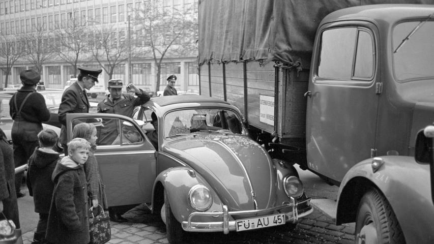 Auf Nürnbergs Straßen unterwegs - eine Zeitreise in 50 historischen Fotos
