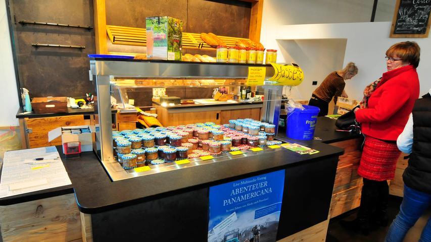 Hausen Landkreis Forchheim..Pilatushof..Bio-Hofladen und Restaurant..Foto Roland G.Huber
