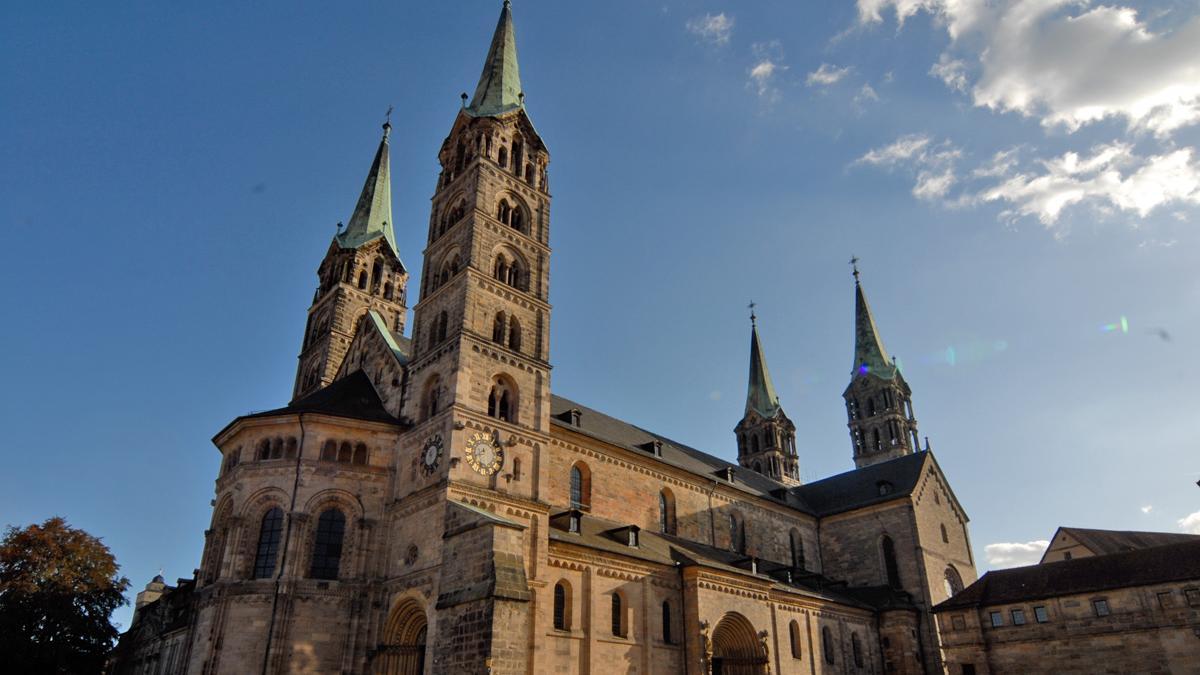 Die Stadt Bamberg sieht sich mit Vorwürfen um mutmaßlich unrechtmäßig überwiesenenZahlungen konfrontiert.