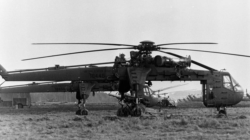 Spezial-Hubschrauber standen für den Lasten-Transport zur Verfügung.