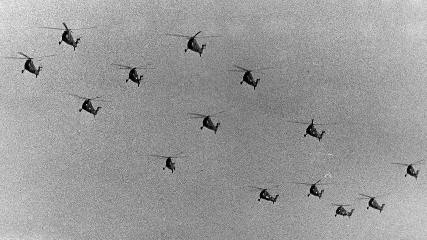 Jede Menge Hubschrauber in der Luft sorgten für ohrenbetäubenden Lärm.
