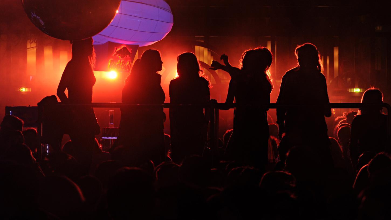 Immer wieder gibt es Streitigkeiten zwischen Anwohnern, Partygästen und Clubbesitzern. Die SPD möchte mit einem