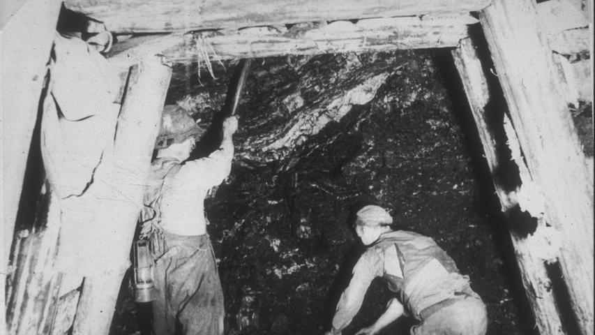 1911 machte der bayerische Staat, der seit Anfang des Jahrhunderts Eigentümer aller Zechen in Stockheim war, alle Gruben dicht. 1912 übernahmen Industrielle die größte Grube St. Katharina, in der dann noch bis 1968 gefördert wurde.
