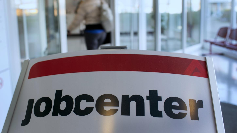 Auch im Jobcenter wurde zahlreiche Mitarbeiterinnen und Mitarbeiter ins Home Office geschickt.