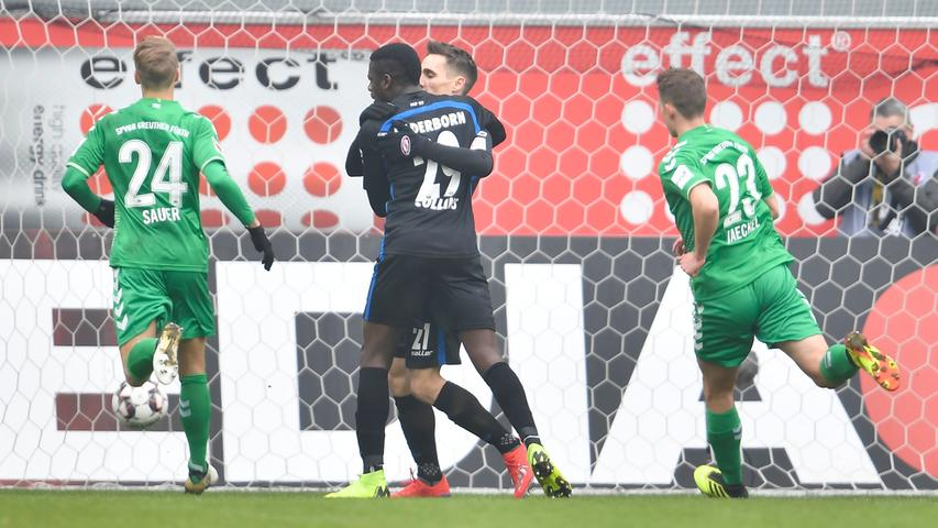 02.02.2019 --- Fussball --- Saison 2018 2019 --- 2. Fussball - Bundesliga --- 20. Spieltag: SC Paderborn - SpVgg Greuther Fürth ( Kleeblatt ) --- Foto: Sport-/Pressefoto Wolfgang Zink / WoZi --- DFL REGULATIONS PROHIBIT ANY USE OF PHOTOGRAPHS AS IMAGE SEQUENCES AND/OR QUASI-VIDEO --- ....Torjubel Jubel Freude nach Treffer Tor Torschuß zum 1:0 durch Philipp Klement (21, SC Paderborn 07 ) per Elfmeter Strafstoß