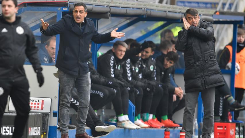 02.02.2019 --- Fussball --- Saison 2018 2019 --- 2. Fussball - Bundesliga --- 20. Spieltag: SC Paderborn - SpVgg Greuther Fürth ( Kleeblatt ) --- Foto: Sport-/Pressefoto Wolfgang Zink / WoZi --- DFL REGULATIONS PROHIBIT ANY USE OF PHOTOGRAPHS AS IMAGE SEQUENCES AND/OR QUASI-VIDEO --- ....Rachid Azzouzi (Sportdirektor / Geschäftsführer Sport SpVgg Greuther Fürth ) Damir Buric (Trainer SpVgg Greuther Fürth ) gestikuliert / Geste