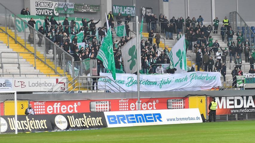 02.02.2019 --- Fussball --- Saison 2018 2019 --- 2. Fussball - Bundesliga --- 20. Spieltag: SC Paderborn - SpVgg Greuther Fürth ( Kleeblatt ) --- Foto: Sport-/Pressefoto Wolfgang Zink / WoZi --- DFL REGULATIONS PROHIBIT ANY USE OF PHOTOGRAPHS AS IMAGE SEQUENCES AND/OR QUASI-VIDEO --- ....Kleeblattfans Fans Fanblock