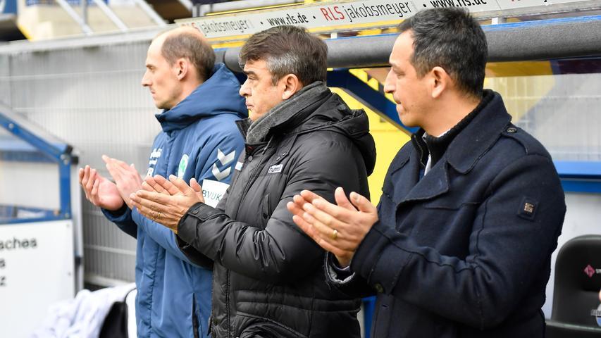 02.02.2019 --- Fussball --- Saison 2018 2019 --- 2. Fussball - Bundesliga --- 20. Spieltag: SC Paderborn - SpVgg Greuther Fürth ( Kleeblatt ) --- Foto: Sport-/Pressefoto Wolfgang Zink / WoZi --- DFL REGULATIONS PROHIBIT ANY USE OF PHOTOGRAPHS AS IMAGE SEQUENCES AND/OR QUASI-VIDEO --- ....Oliver Barth (Co-Trainer SpVgg Greuther Fürth ) Damir Buric (Trainer SpVgg Greuther Fürth ) Rachid Azzouzi (Sportdirektor / Geschäftsführer Sport SpVgg Greuther Fürth )
