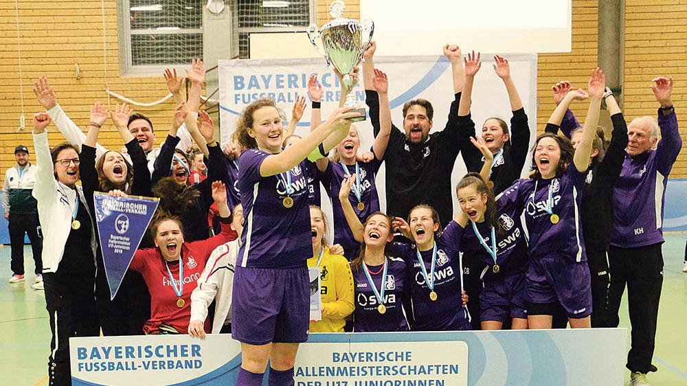 Ein Tag voller Fußball-Begeisterung: Am Ende bejubelte der TSV Schwaben Augsburg die Bayerische Meisterschaft der U17-Juniorinnen.