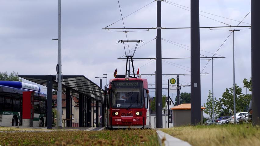 1999 kam die zweite Generation von Niederflurstraßenbahnen in Nürnberg an, die sogenannten