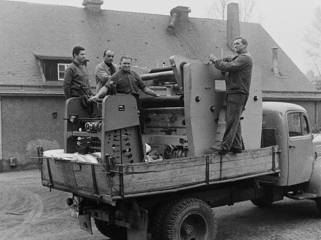 Im Herbst 1968 wurden die ersten Produktionsmaschinen in Pegnitz angeliefert. Ehemalige Bergleute freuten sich über einen neuen Arbeitsplatz.