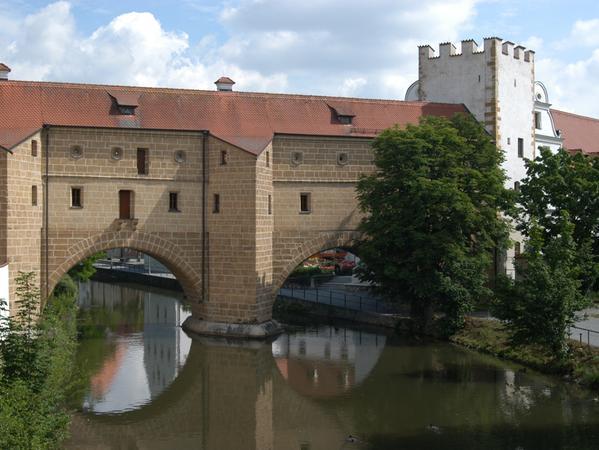 Am frühen Morgen fand ein Passant in der Nähe der Stadtbrille in Amberg die ermordete Gertrud Kalweit.