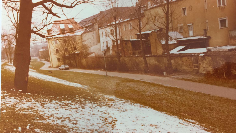 Eine Originalaufnahme des Tatorts im Stadtgraben in Amberg, wo sich das Verbrechen ereignete.