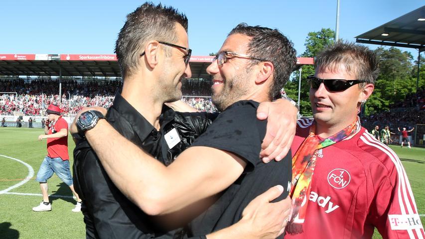 Und so reichte es am 6. Mai 2018 zum großen Coup: Durch ein 2:0 in Sandhausen machte der Köllner-Club den Aufstieg auch rechnerisch perfekt.