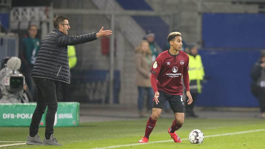 Es folgten: 15 sieglose Bundesliga-Partien und ein schwaches 0:1 im Pokal beim Zweitligisten Hamburger SV - das Aus im Achtelfinale.