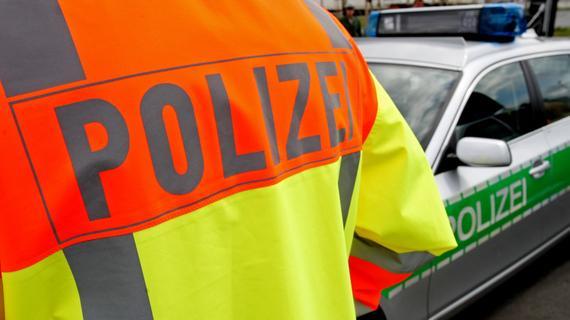 Zerfetzter Reifen beschädigte auf der A9 neun Autos - Nordbayern.de