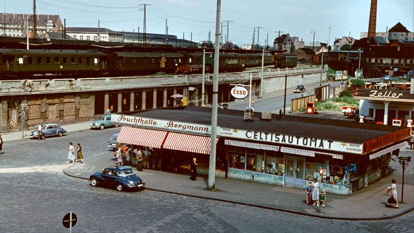 Kioske prägten in der Nachkriegszeit das Gesicht der Stadt Nürnberg. Am Celtisplatz hinter dem Hauptbahnhof stand damals der