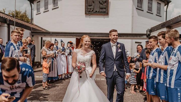 Anika und Philipp aus Hausen haben am 28.07.2018 kirchlich in Hemhofen geheiratet.