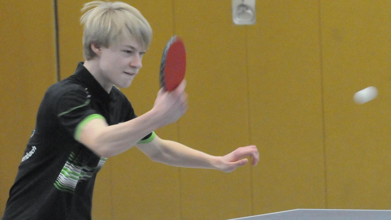 Zum ersten Mal spielte der 16-jährige Benedikt König für die Eschenbacher Landesligamannschaft auf Position zwei – und trug seinen Teil zum Sieg über Ochsenfurt bei.
