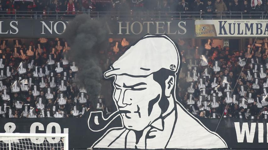 Pyro, Pfeife, Tennisbälle: So protestierte die Club-Kurve gegen den DFB!