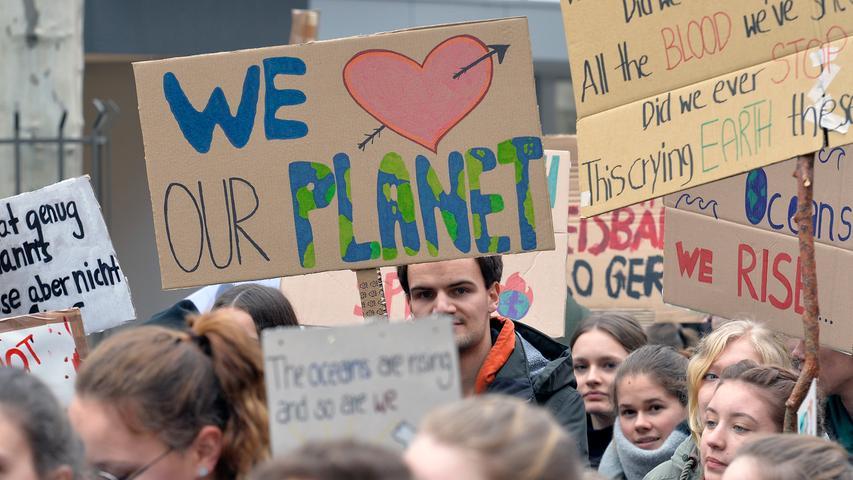 Fridays For Future: 500 Schüler ziehen fürs Klima durch Erlangen