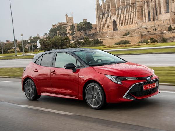 Toyota Corolla Fünftürer: Wer Hybridantrieb wünscht, muss mindestens das zweite Ausstattungslevel erwählen.