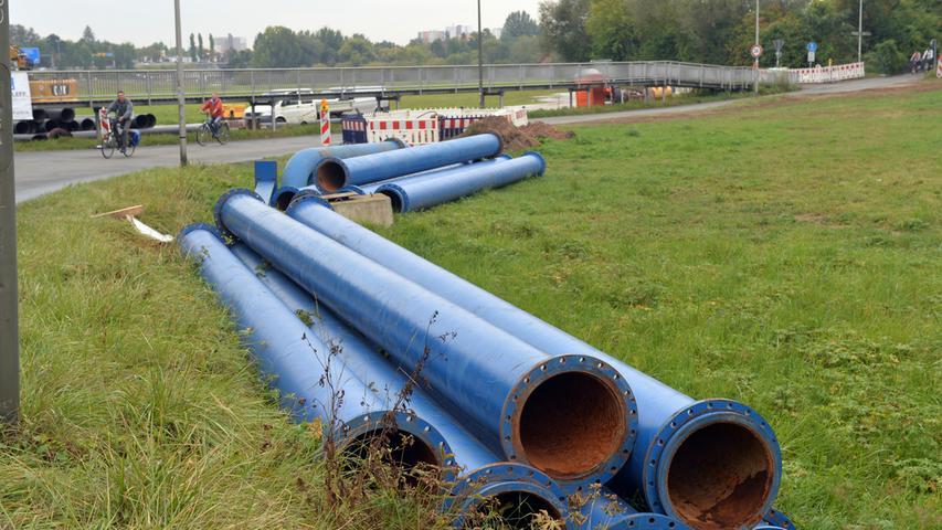 Derzeit werden die Rohre für eine parallel verlaufende Leitung verlegt, über die das Abwasser gepumpt werden soll.