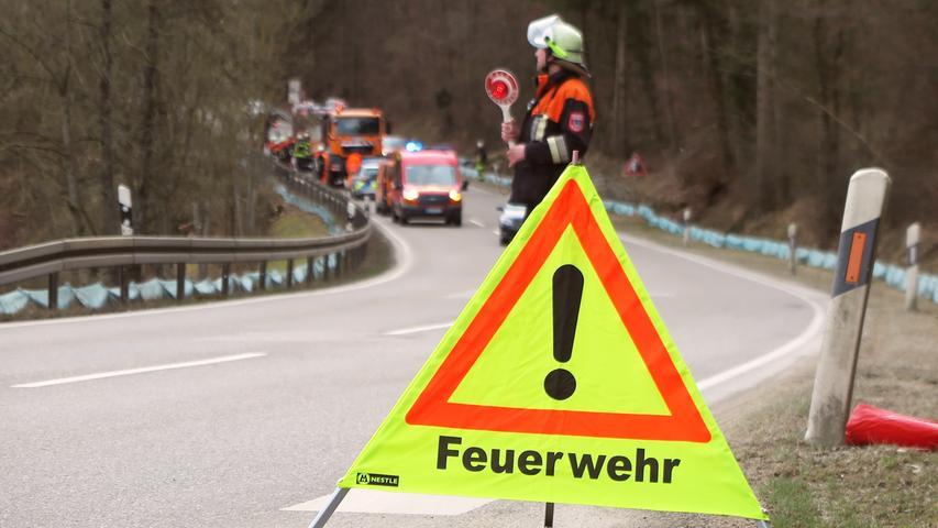 Symbolbild Unfall Feuerwehr Heusteige Treuchtlingen Patrick Shaw 07.03.2019