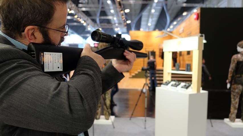 Die IWA in Nürnberg: Zwischen Jagdgewehren und Pistolen