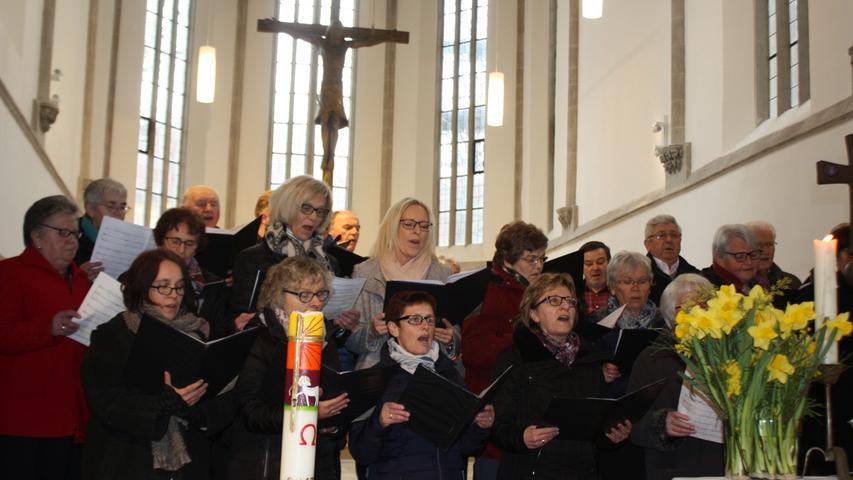 Der Kirchenchor Ostheim/Degersheim trug unter anderem das Lied