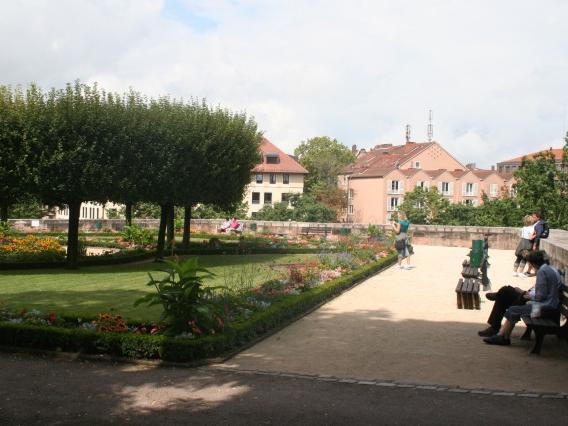 Abschalten im Burggarten