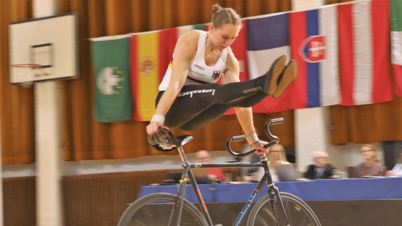 Milena Slupina hat für die neue Saison ihr Programm umgekrempelt. Die Mühe hat sich gelohnt: Mit 198,3 Punkten stellte sie zum Weltcup-Auftakt einen neuen Weltrekord auf.