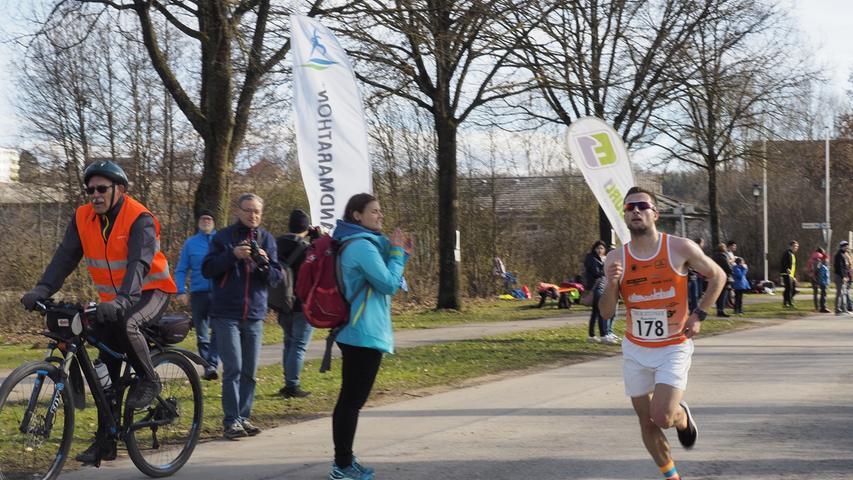 Frühjahrslauf ESV Treuchtlingen Sieger Herren Johannes Stahr von LifePark Max Ingolstadt (178) Foto: Benjamin Huck