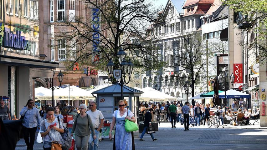 In einer wachsenden Stadt muss Mobilität möglich bleiben – Verkehrsvermeidung und Verkehrsverlagerung lauten die Stichworte. Die Verkehrsvermeidung könne nur Hand in Hand mit der Stadtentwicklung funktionieren, heißt es im Nachhaltigkeitsbericht.