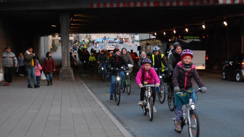 Fürther Radler-Demo bremst den Autoverkehr aus